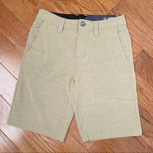 Volcom beige shorts